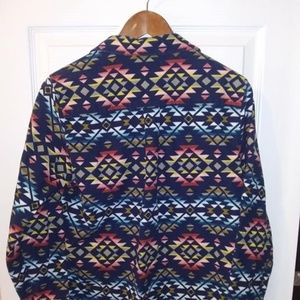 New! Ladies Cabela's Shirt Jacket. (Size-Med)